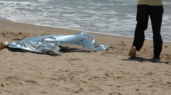 Cadavere in spiaggia, arriva la conferma: è la giuglianese Carmela De Rosa