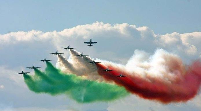 Frecce Tricolori Calendario 2020.Grazzanise Le Frecce Tricolori In Acrobazie Nel Cielo Del