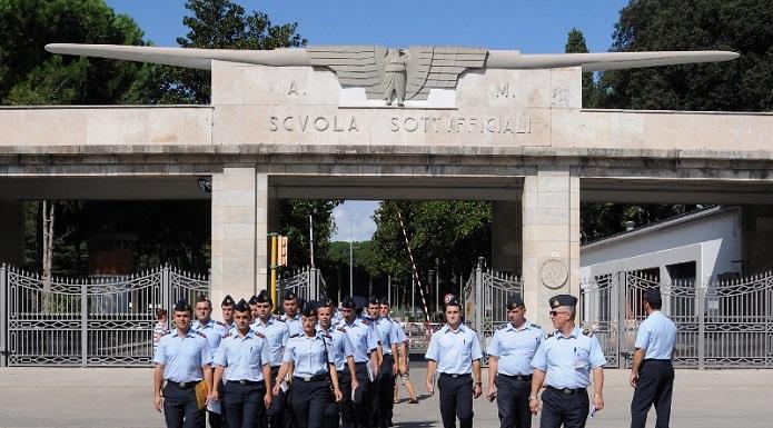 Calendario Aeronautica Militare 2020.Un Francobollo Celebra La Scuola Specialisti Aeronautica