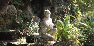 Venere al bagno al Giardino Inglese della Reggia di Caserta