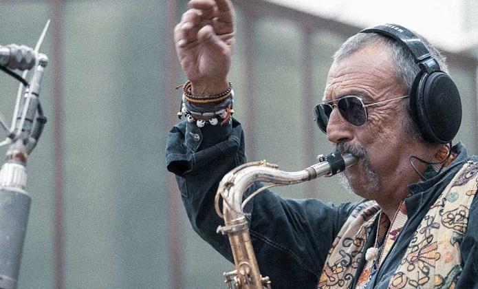 Il Jazzista Campano Daniele Sepe Firma Il Suo Nuovo Album Il Gatto