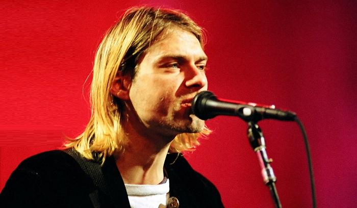 25 anni fa ci lasciava Kurt Cobain, lo storico frontman dei Nirvana |