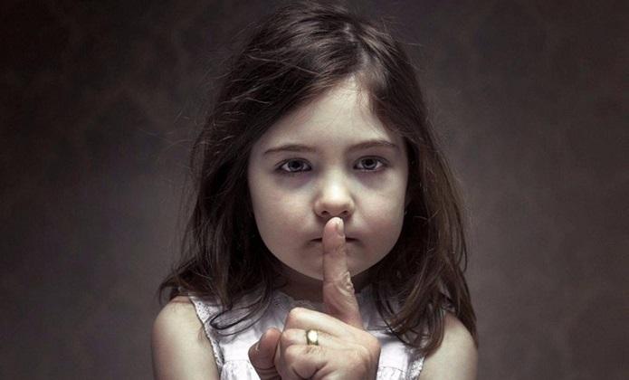 """All'ITIS """"Giordani"""" di Caserta la presentazione del libro """"A Piedi Scalzi"""" di Pina Farina, romanzo contro la pedofilia e la violenza di genere   - CasertaWeb"""