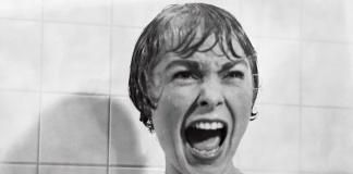 Marion Crane nella famosa scena di Psycho