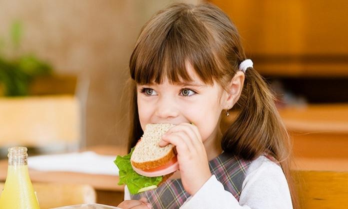 Vietato portare il panino a scuola