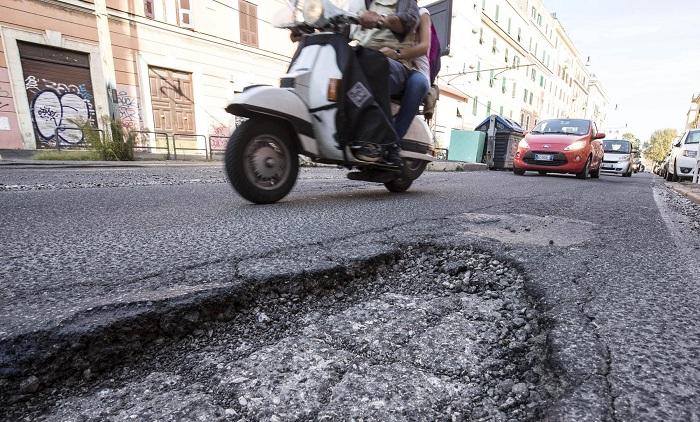 Risarcimento per incidenti causati da buche ed imperfezioni stradali |