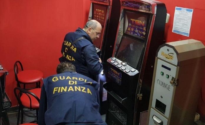 Confisca beni slot machine