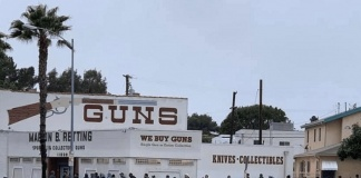 Fila per comprare armi