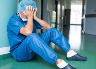 """Covid, Nursing Up De Palma: """"Oggi giornata nazionale dei professionisti sanitari: si ammalano ancora 200 infermieri al giorno in tutta Italia"""""""