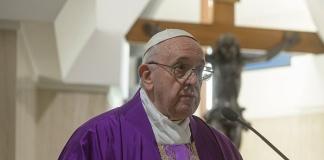 Papa Francesco, messa da Santa Marta
