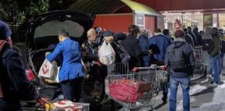 Coronavirus: code e assalto ai supermercati