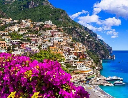 Ville di lusso: in Campania richiesta maggiore per la Costiera Amalfitana