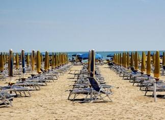 Estate Coronavirus: ecco le regole per la riapertura di lidi, piscine, e spiagge pubbliche
