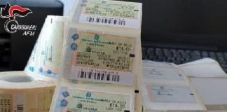 Patenti false e marche da bollo cinesi: sgominata la banda dei falsari che operava tra Caserta e Napoli