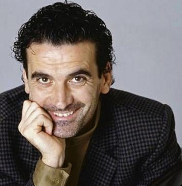 Il 4 giugno di 26 anni fa moriva Massimo Troisi, talento mondiale che senza Napoli non sarebbe esistito