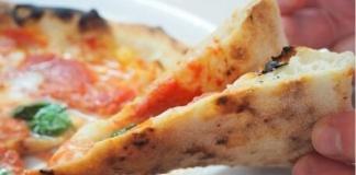 Crolla un tabu: è vera pizza napoletana anche se cotta nel forno elettrico. Dagli esperti, la parola passa al pubblico