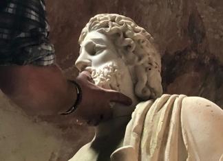 Restauro di Esculapio al Criptoportico del Giardino Inglese