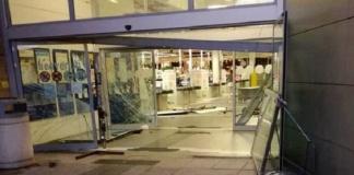 """Arrestati mentre rubavano le porte dei """"Giardini del Sole"""", l'ex Centro Commerciale di Capodrise"""