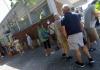 Campania, corsa al tampone, tutti in fila per effettuare il test al ritorno dalle vacanze