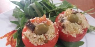 Pomodori ripieni con cous cous, verdure e spezie