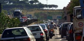 Un incidente in autostrada fra Caserta Nord e Capua ha paralizzato il traffico per ore