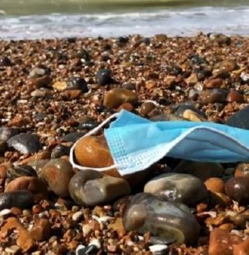 Allarme Legambiente Campania sumascherinemonusoabbandonate: rischi per salute e ambiente