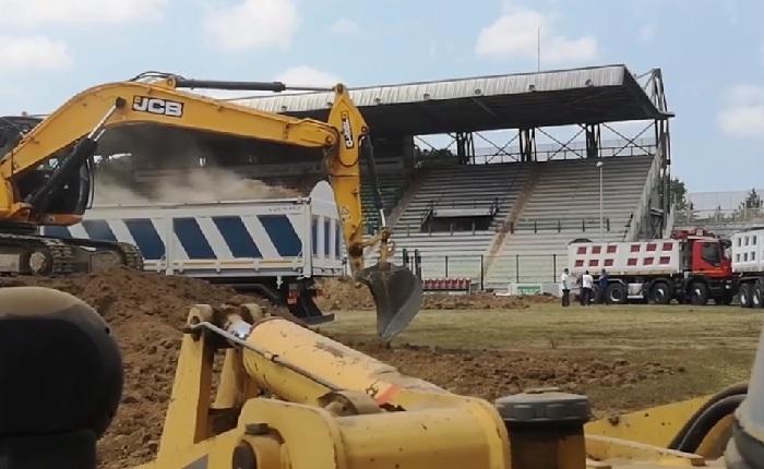 sbancamento Stadio Pinto