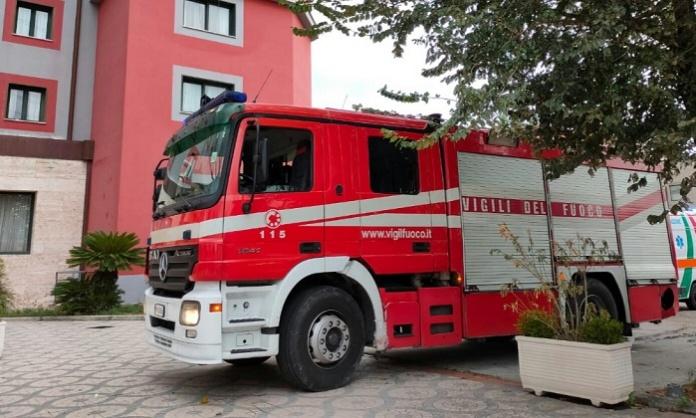 Marcianise, a fuoco una camera di un albergo