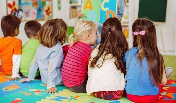 Campania, nuova ordinanza, da lunedì chiudono anche le scuole d'infanzia