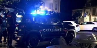 Carabinieri controllano esercizi commerciali