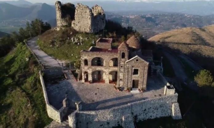 Castel Morrone, Eremo di Monte Castello