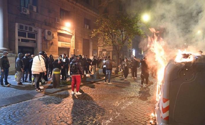 Guerriglia a Napoli