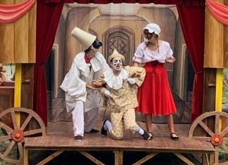 Il Teatrino di Mangiafuoco, Passeggiando con Pinocchio