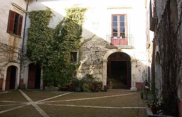 Palazzo Filangieri de Candida Gonzaga, San Potito Sannitico