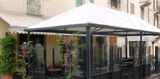 Sequestrati tre gazebi all'esterno di un bar realizzati di dimensioni consistenti