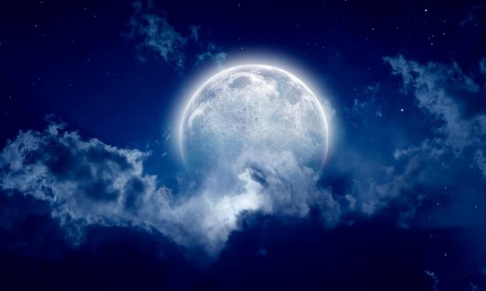 Un Halloween diverso, ma reso magico dalla presenza della luna blu