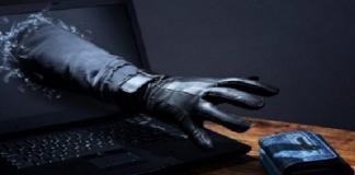 Rubavano i dati delle carte di credito per fare acquisti online: arresti in provincia di Caserta