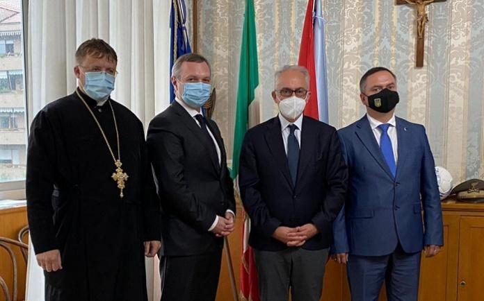 Il sindaco di Caserta Carlo Marino ha ricevuto in Comune il nuovo ambasciatore dell'Ucraina Yaroslav Melnyk