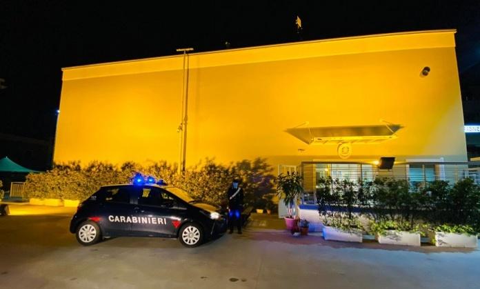 Orange the World contro la violenza sulle donne: i Carabinieri di Marcianise illuminano il comando