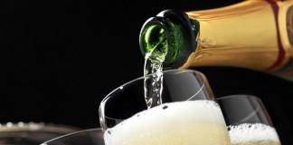 Coldiretti: a rischio le vendite di vini e spumanti senza brindisi di Natale e Capodanno a causa del Covid
