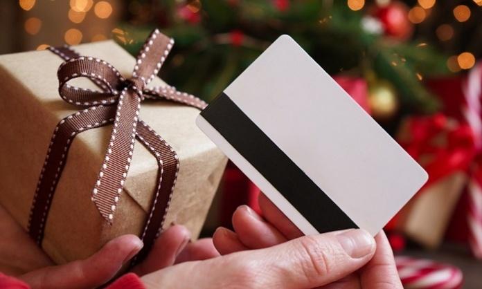 Lotta all'evasione fiscale e soldi sul conto degli italiani: al via il cashback di Natale