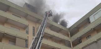 Caserta, incendio in un sottotetto di Via Cappuccini