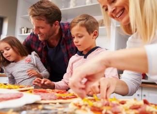 Come realizzare una pizza perfetta in casa