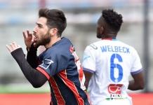 Esultanza di Turchetta dopo il primo gol (foto Giuseppe Scialla)