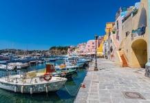 """Procida Capitale italiana della cultura 2022, il Touring Club Italiano: """"Grande impatto per Campania e area flegrea"""