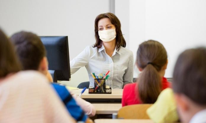 Anche in Campania inizia la vaccinazione per il Covid al personale scolastico docente e non docente