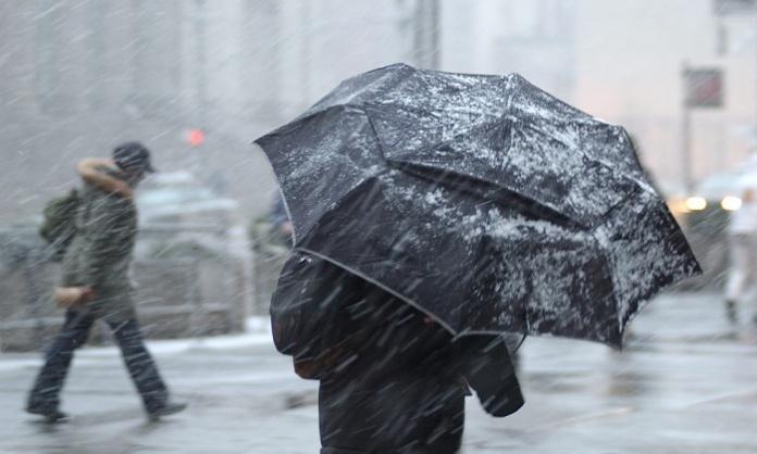 Campania flagellata da pioggia e forti raffiche di vento, con temperature polari