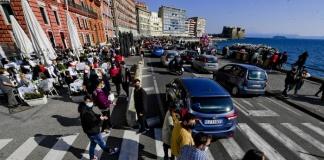 Il governatore provoca i cittadini campani e condanna il comportamento di molti