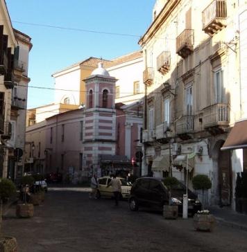 Caserta, ruderi sulla strada: i residenti di via San Giovanni sul piede di guerra. La Cisas sollecita interventi
