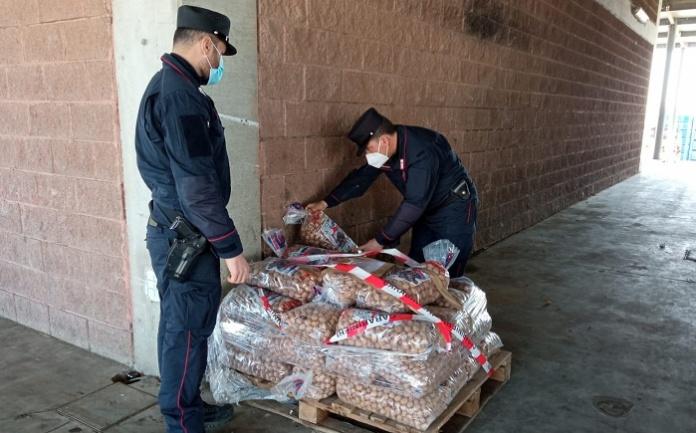 I Carabinieri Forestale sequestrano svariati quintali di prodotti alimentari irregolari
